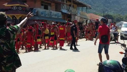 Pesta adat Gawai Dayak di Desa Kebong Kecamatan, Kelam Permai, Kabupaten Sintang cukup meriah hari ini Jumat, (28/6/19)
